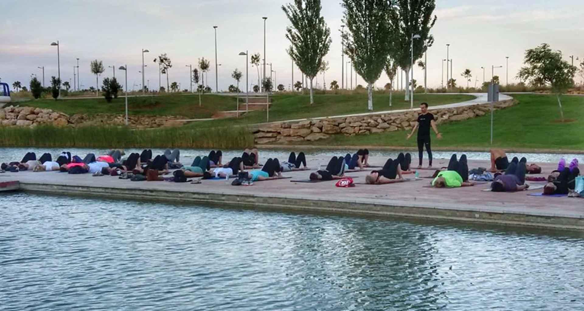 01 - Evento Yoga 2019 lago de la vida Dos Hermanas apoyo al programa angeles - Yoga 21