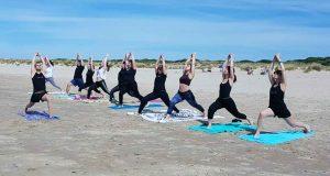03 - Clase Yoga en la playa 28-04-2019 - Yoga 21