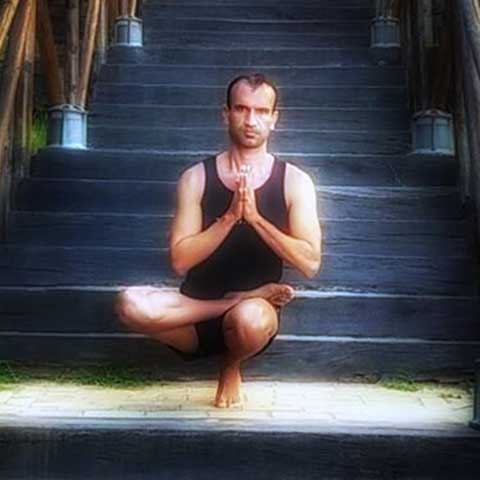 Profesor de Yoga en Dos Hermanas - Yoga 21